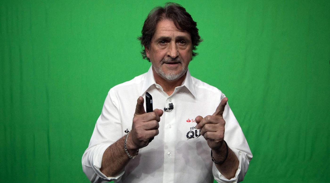 El periodista Raúl Ruiz, durante la grabación / Víctor Sainz