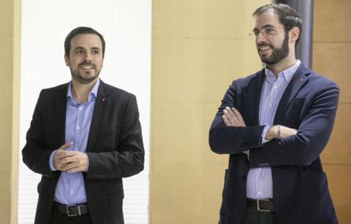 Alberto Garzón, Ministro de Consumo y Desiderio Cansino, Jefe de Gabinete. Autor José Camó